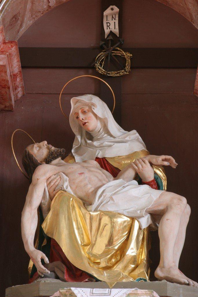 Nossa Senhora da Piedade com Jesus